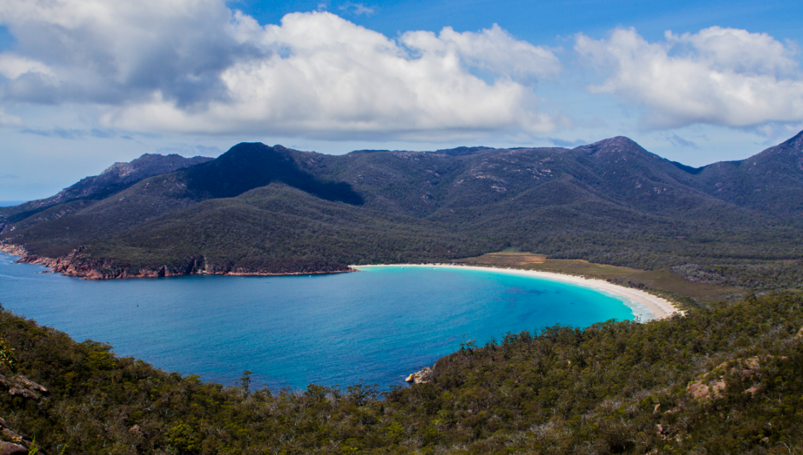 Wineglass Bay © iamabackpacker.com