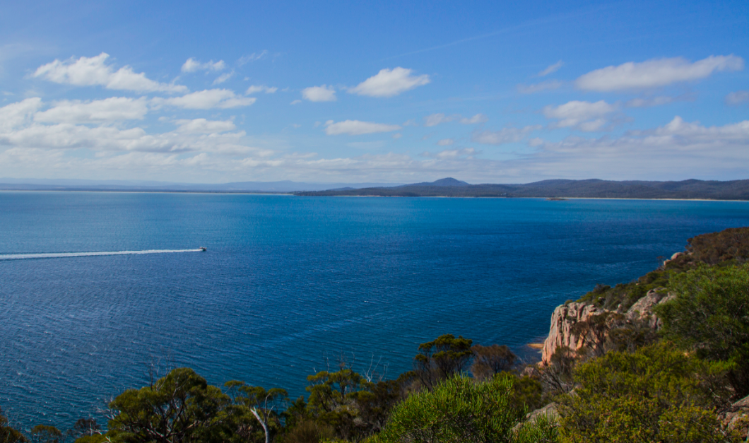 Coastal Walk - Freycinet Nat. Park - Tasmania